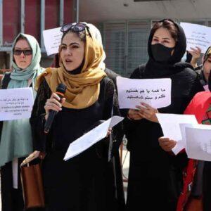 """Talebani vietano alle donne afghane anche di fare sport: """"Espone i loro corpi a foto e video"""""""