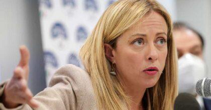 Candidato M5S offende Giorgia Meloni sui social e Conte lo caccia dal movimento