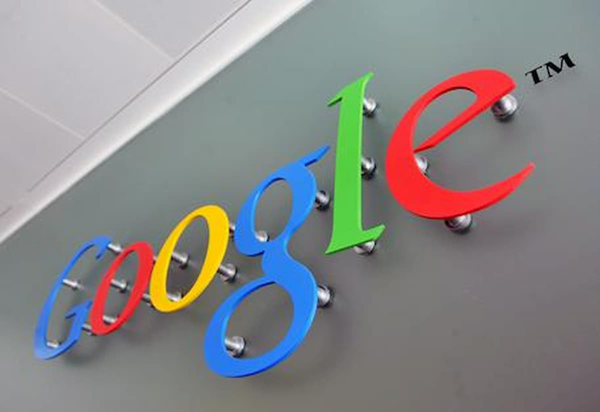Google permette ai disabili di usare lo smartphone con il volto e gli occhi