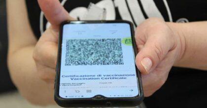 QR Code dell'amico, tamponi falsi, vaccini simulati: i trucchi No Vax per avere il Green Pass