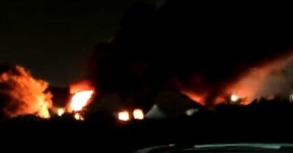 Incendio Roma nella ex fabbrica di Penicillina di Via Tiburtina, nube tossica su San Basilio