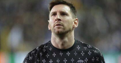 PSG, Messi non stringe la mano a Pochettino al momento del cambio VIDEO