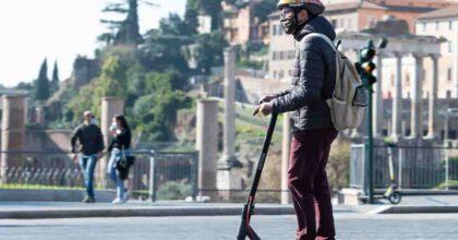 Porto di Vado Ligure (Savona), sequestrati 868 monopattini: erano stati fatti passare per giocattoli