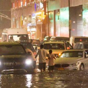 New York sott'acqua per la tempesta Ida, strade allagate e almeno 10 morti VIDEO