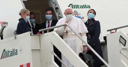 """No Vax pure nella Chiesa, il Papa: """"Ce ne sono tra i cardinali, uno è anche ricoverato"""""""