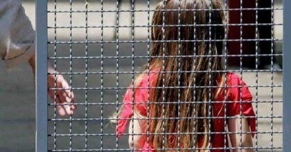 Abusi sessuali su una bimba di 10 anni e botte al fratellino di 8: patrigno arrestato ad Agrigento