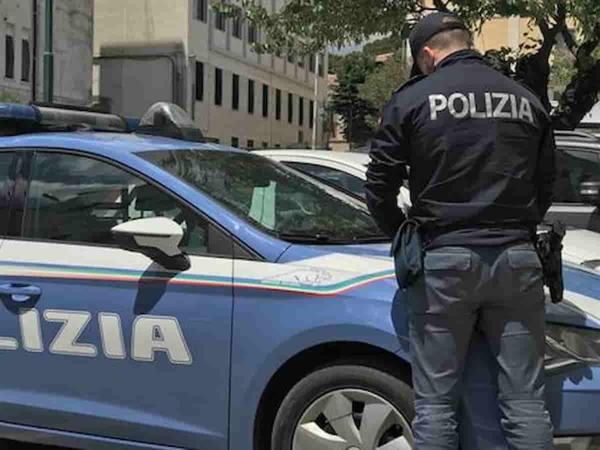 Roma investe poliziotti