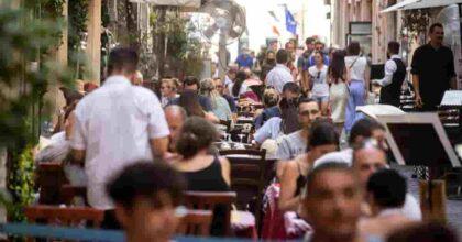 Regioni a rischio moderato passano da 10 a 17, male i ricoveri in Sicilia, Sardegna e Calabria