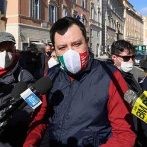 """Centrale nucleare in Lombardia? Salvini: """"E che problema c'è..."""". Il Pd: """"Ci dica dove"""""""