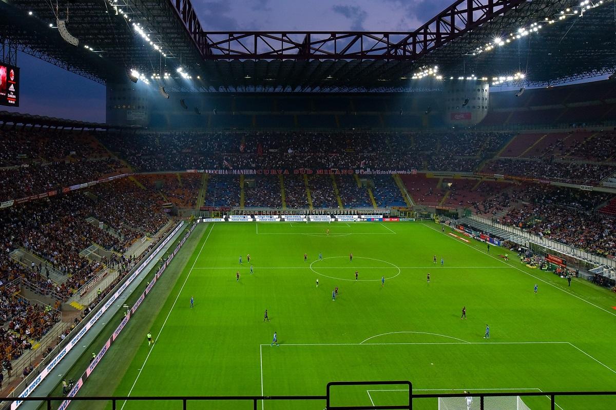 Milano corre, ma lo stadio è fermo