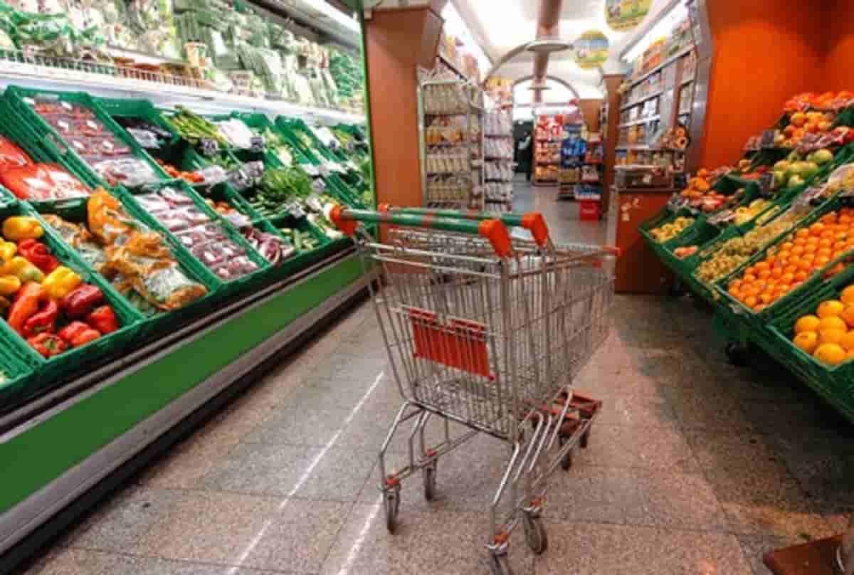 Dove conviene fare la spesa? I supermercati in cui risparmi fino a 1720 euro all'anno