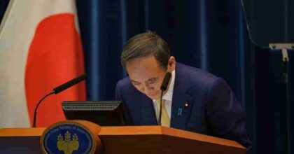 Giappone: il premier Suga sta per dimettersi e il partito conservatore si ritrova senza leader