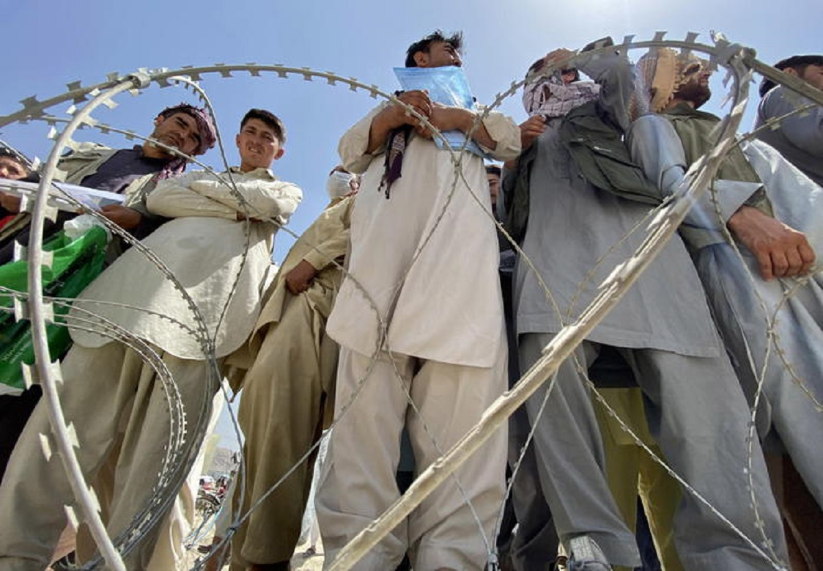 Afghanistan premier e ministri bombaroli. Sassoli chiede corridoi umanitari...a loro?