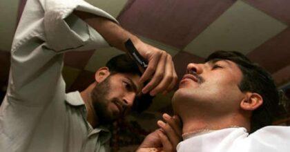 """Afghanistan, i talebani vietano agli uomini di tagliarsi la barba: """"E nessuno osi lamentarsi"""""""