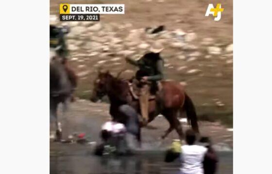 Polizia Usa a cavallo frusta immigrati al confine col Messico, il video della vergogna