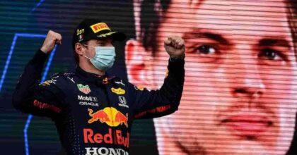 Formula 1, Gp d'Olanda, Max Verstappen vince e sorpassa in classifica Lewis Hamilton: folla in delirio