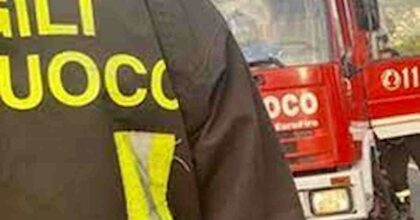 Sarmede (Treviso), scuolabus in fiamme per corto circuito alla batteria: era parcheggiato