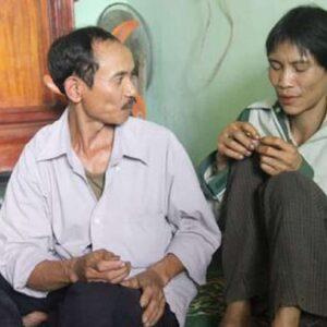 Ho Van Lang, morto il Tarzan dei tempi moderni. Il vietnamita ha vissuto 40 anni nella giungla con il padre