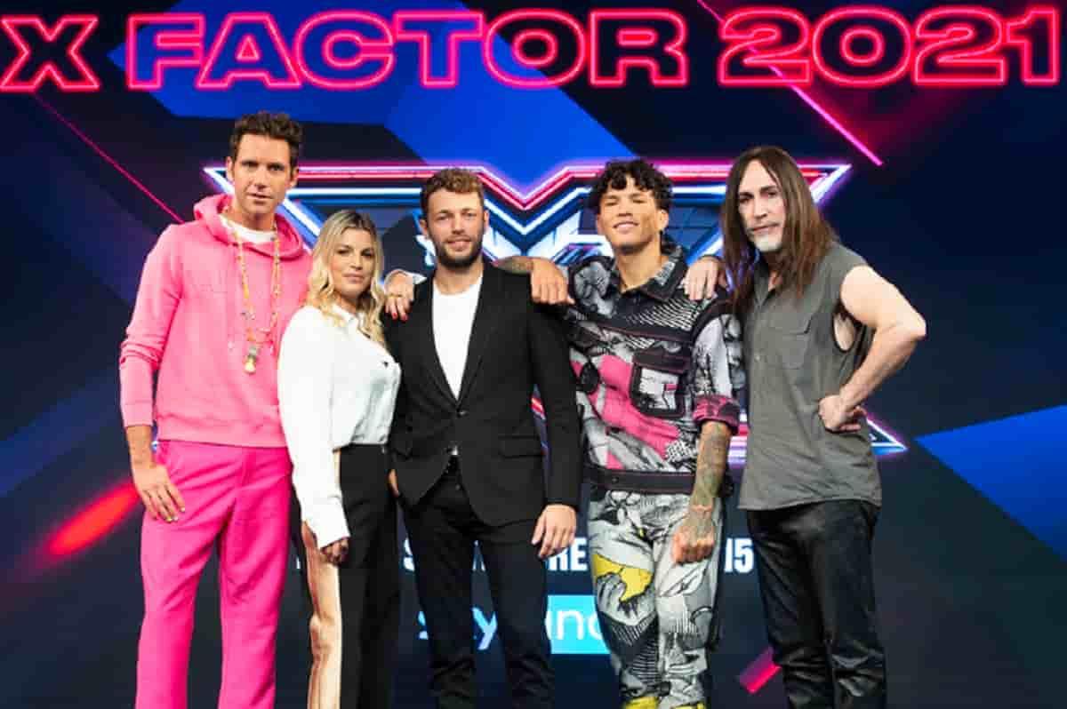 X Factor 2021, nuovo conduttore, giudici, quando inizia, dove vederlo, addio categorie