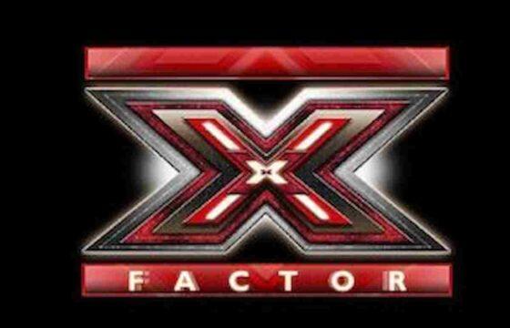 """X Factor 2021, Fettuccine incassa tre sì con il suo singolo """"Sunny"""" ma viene bocciata da Manuel Agnelli VIDEO"""
