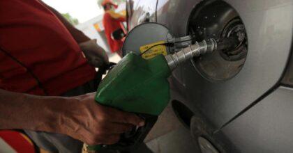 Prezzi della benzina sempre più alti: costa fino a 1,918 euro a litro, salgono anche diesel e gpl