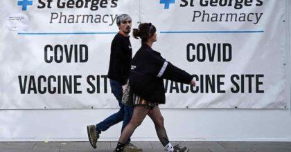 Covid, in Gran Bretagna picco di contagi da luglio: 45mila nuovi positivi in 24 ore, 157 morti
