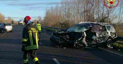Incidente mortale sulla Cimpello-Sequals: auto si scontra con camion e prende fuoco, morto il conducente