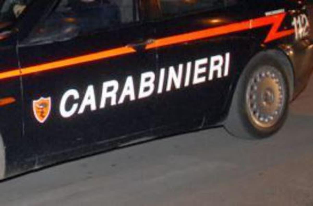 Isola di Capo Rizzuto (Crotone), spara al fidanzato della sua ex: arrestato a 19 anni per tentato omicidio