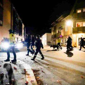 Norvegia, chi è il killer con arco e frecce di Kongsberg: danese, 37 anni, convertito all'Islam