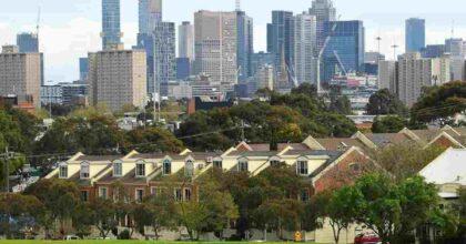 Covid Australia, Melbourne esce da lockdown record di 9 mesi: il più lungo del mondo