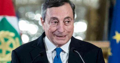 """Mario Draghi lapsus: parla delle Cabine di Regia del Pnrr e gli scappa la parola """"inutile"""" VIDEO"""