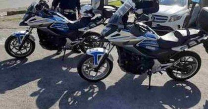 Padova, il vigile Massimo Boscolo muore in un incidente a 34 anni: scortava il team di handbike di Zanardi