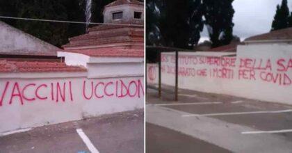 """San Nicandro Garganico (Foggia), scritte no-vax sui muri del cimitero: """"I vaccini uccidono"""""""