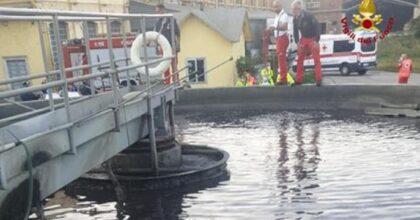 Cade in una vasca si depurazione per recuperare il pallone, ragazzo muore a 14 anni