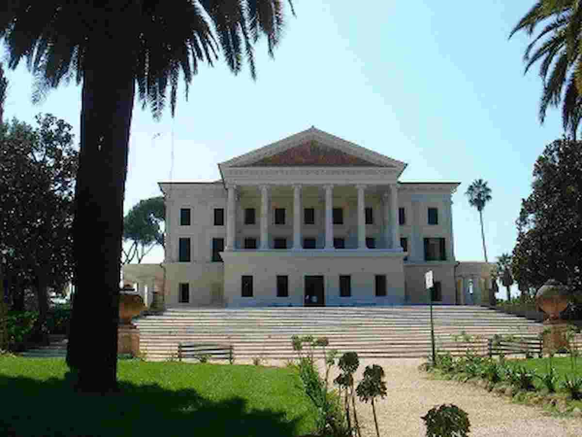 Roma, bomba a Villa Torlonia: parco chiuso al pubblico per disinnesco granata degli anni 80